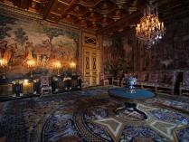 Chateau_de_Fontainebleau_Inside-2.jpg