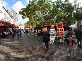 Montmartre-Place-du-tertre-2.jpg
