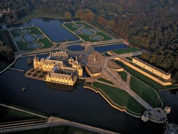 Chateau-chantilly-2.jpg