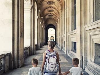 visite-louvre-famille-gal-1
